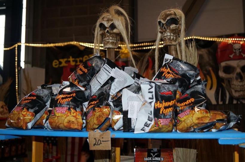 Extreme Food tillhandahåller ett helt galet sortiment av kryddor, chips och mycket annat.