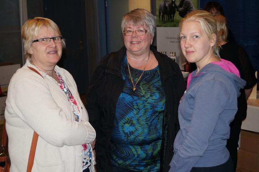 Glada besökare, Maria Christensson, Inger Fjordgren och Charlotte Kjellsson (i ordning från vänster)