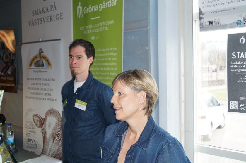 Gröna Gårdars säljansvarige Annika Lundberg som besitter en nära nog encyklopediskt kunnande om riktigt kött och den riktiga matens inverkan på våra liv.