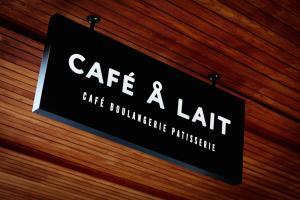 CAFÉ Å LAIT