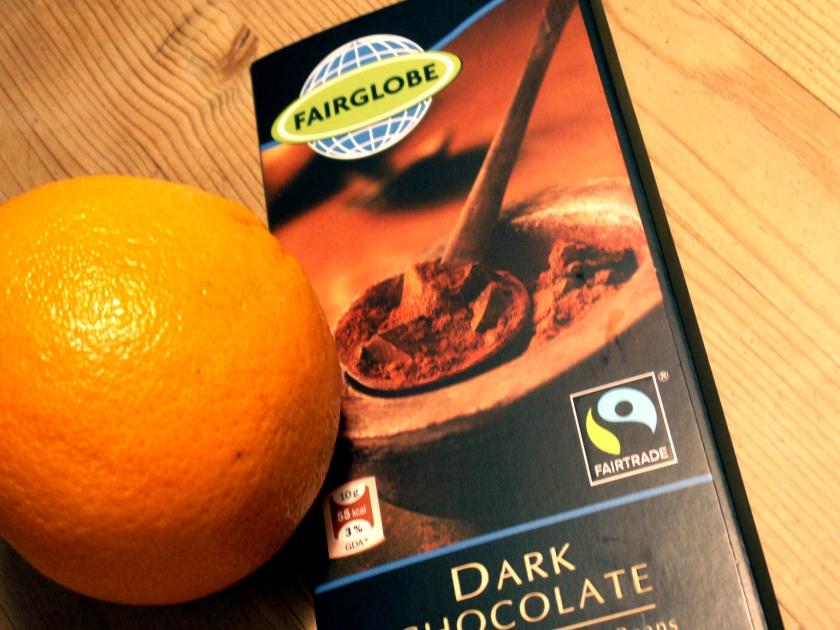 Apelsin och mörk choklad är en underbar kombination i en mjuk kaka!