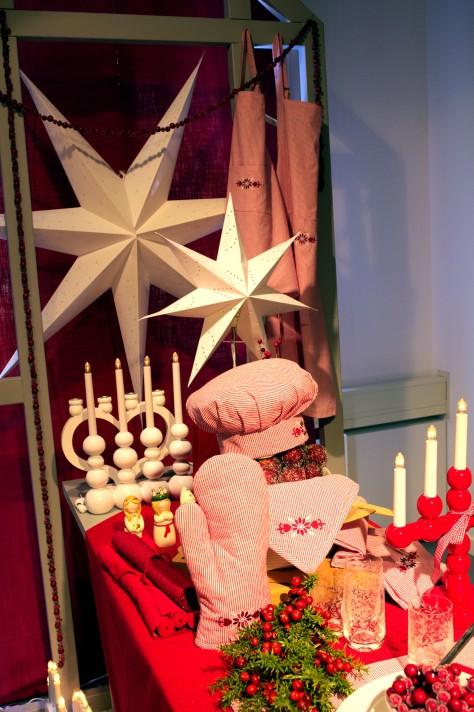 För julbaket - förkläde, kockmössa och grillvante i hemtrevligt rutigt!