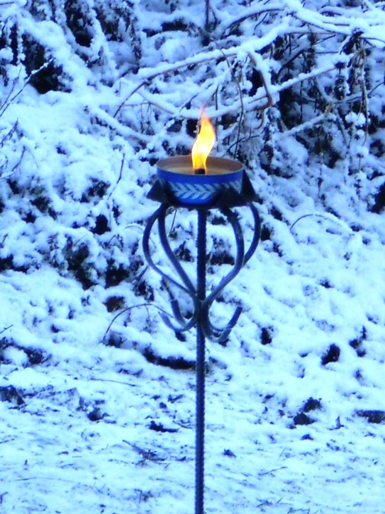 Välkomnande ljus i vinterkylan