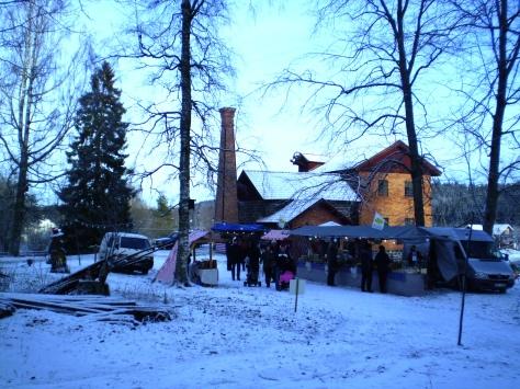 Julmarknad i klassisk bergslagsmiljö - mer stämningsfullt blir det inte!