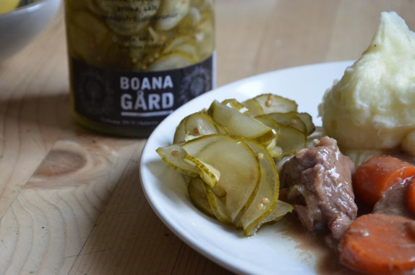 Alex gurka smakar underbart både på pastejmackan och till kalopsen.