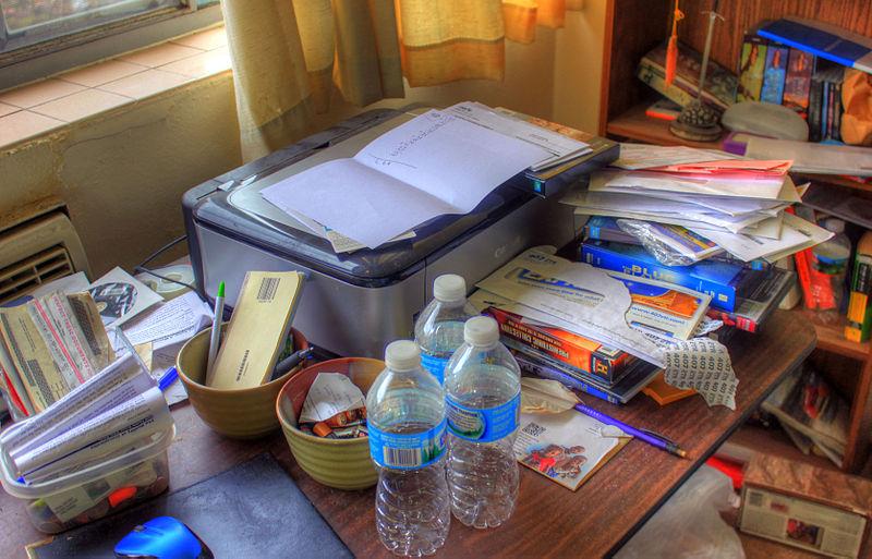 Ordning och reda vill väl alla ha men vissa av oss behöver lite hjälp, både på skrivbordet och i datorn... (Foto: Wikimedia kommens)