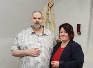 Lyckligt nygifta - efter 28 år... (Foto: Jonas Hessman)