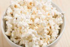 Smaksatta popcorn till fredagsmyset